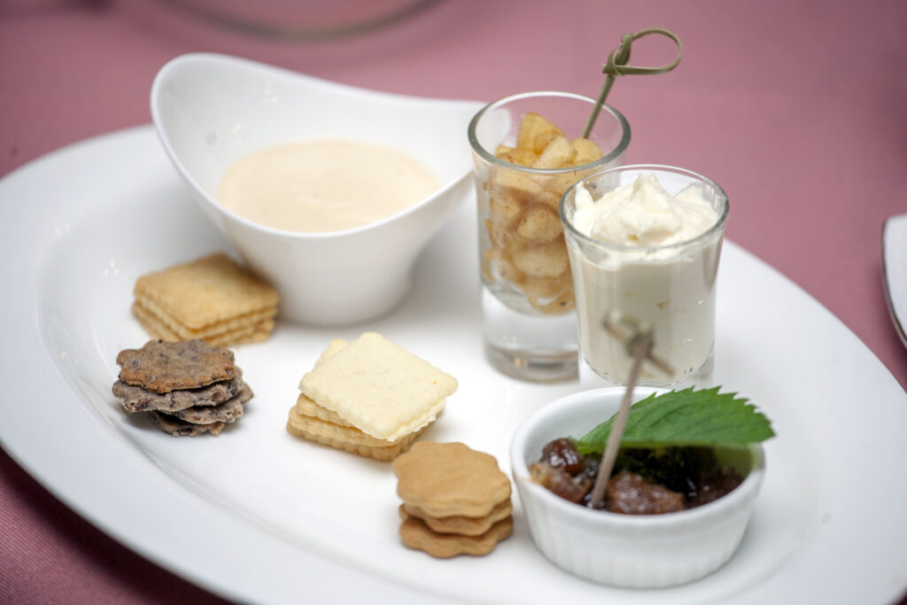 Plain Cracker; caraway and linseed cracker; Lemon cookies; gingerbread cookies; cream cheese with smoked fish; caramel apples with cinnamon; curd cream with lemon zest; rhubarb paste.